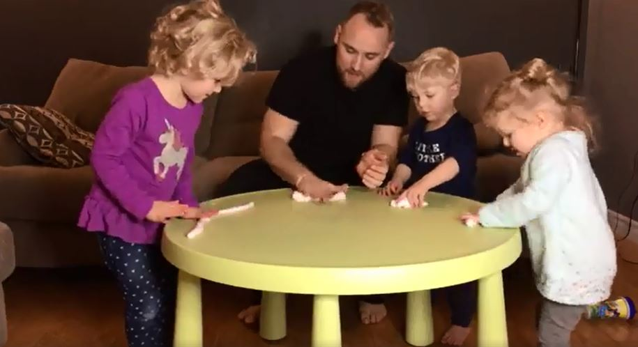 WE MADE SLIME! | How To Make Slime With YourKids